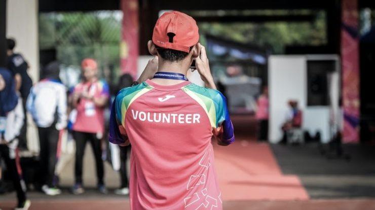 Volunteer Work Abroad: 9 Travel Tips